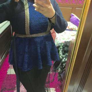 Lace blouse/top