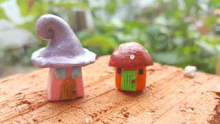 HANDCRAFTED PAIR OF MINIATURE FAIRY HOMES. PERFECT FOR TERRARIUMS/GARDEN ORNAMENTS