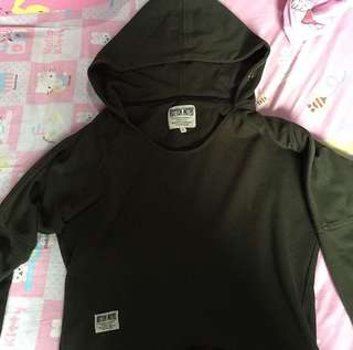 Sweater Roten Size L