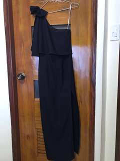 One shoulder Navy blue gown (used once)