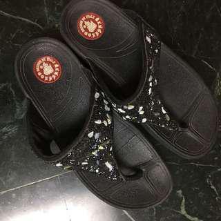 🚚 夾腳涼鞋