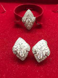 Diamond shaped White Gold Set