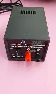 12v to 240v dc to ac adaptor transformer 3amps