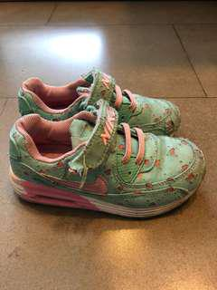 Nike Shoes (KW)