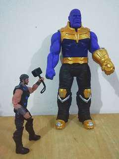 MARVEL Avengers Thanos Infinity War Giant Actiin figure.