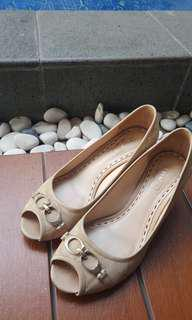 Coach shoes nude size 36.5 . Reprice from 1.250.000