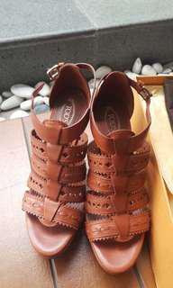 Heels coklat Tods size 36. Reprice from 1.900.000