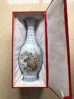 景德鎮 中國名瓷 花瓶 白色 Antique flower flask