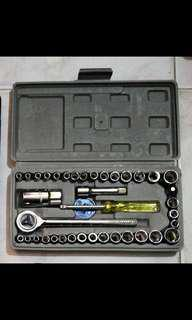 Sockets/ Wrench tools set
