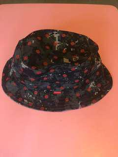 Supreme x Comme des Garçons bucket hat Size M/L