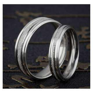 Couple ring Silver color diamond rounded with free engravement