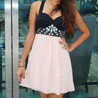 🚚 Halter Dress
