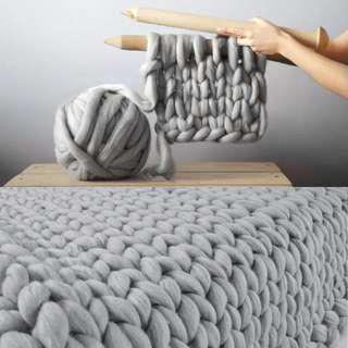 Soft Thick Line Giant Yarn knitted Blanket.