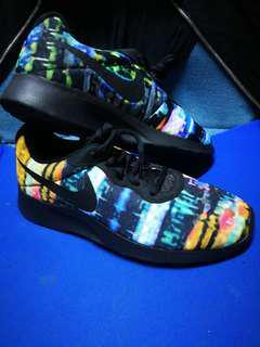 Nike Tanjun Print sneakers