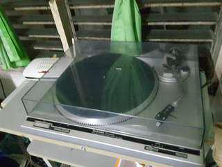 Technics SL-Q202 Direct Drive Automatic Turntable