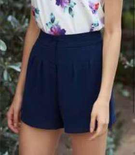 [Free pos] Navy Chiffon Shorts