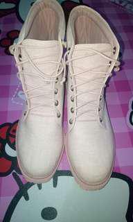 Sepatu boots pink Khakikakiku