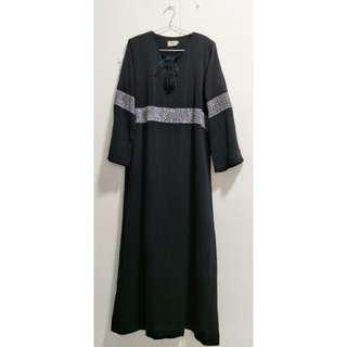 🚚 Black Jubah with Sequins (2ndhand)