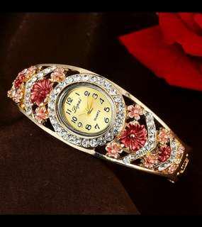 ⌚2018 luxury brand women's diamond bracelet watch