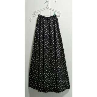 🚚 Floral Satin Maxi Skirt (2ndhand)