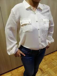 50% off! [Pre-loved] White chiffon-type blouse