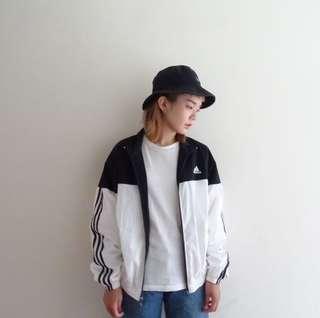 🚚 Adidas黑白配色風衣外套🔥任選兩件折150💵古著vintage🔥
