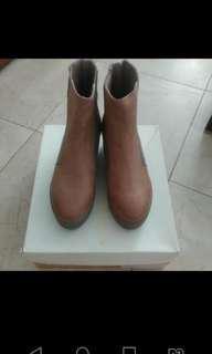 Venilla Suite (Boot)