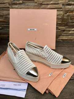 MIU MIU DOUBLE DECKER SIZE38 fits to 39