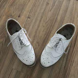White Oxford Brogues shoes