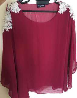 Bat wing top with lace details