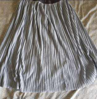 Uniqlo Gray Pleated Skirt