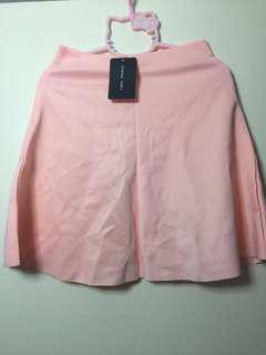 全新粉紅色短裙 $55包平郵