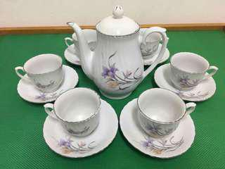 Vintage porcelain tea pot set