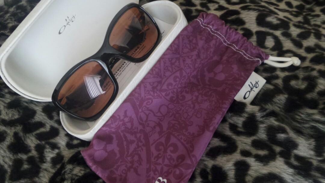 b90f74fc11 Aunthentic Oakley Ravishing Sunglasses