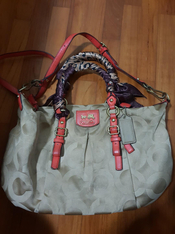 67ac227f68bc Authentic Coach Sling Bag