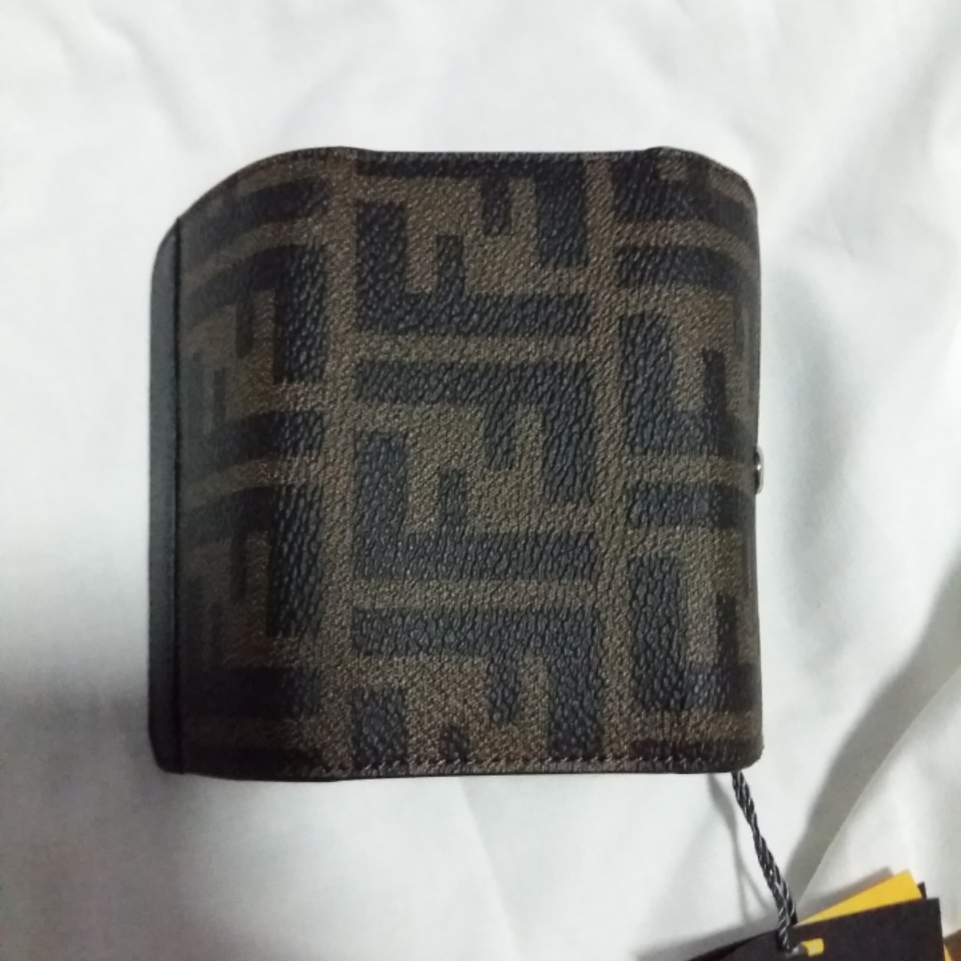 19e28e0a2da0 Brand new Fendi Key pouch