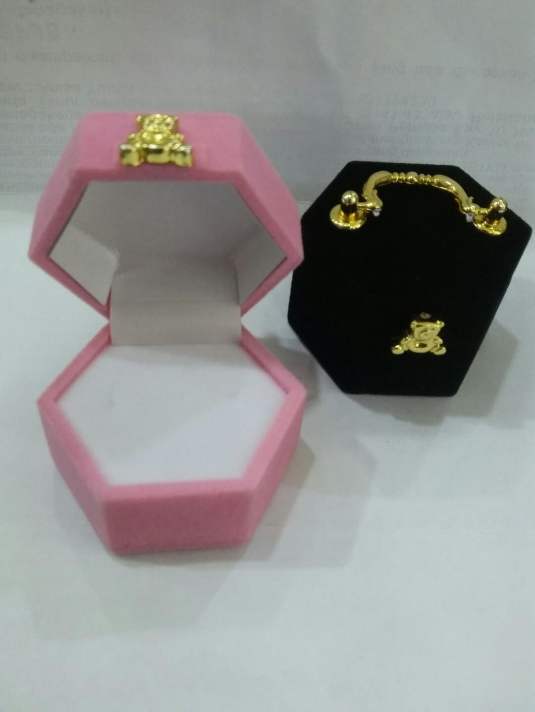 Kotak cincin segi 6 warna pink dan hitam
