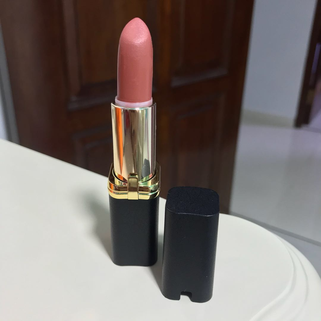 Loreal Colour Riche Matte Lipstick Shade 203 Peachy Brown Health Beauty Makeup On Carousell