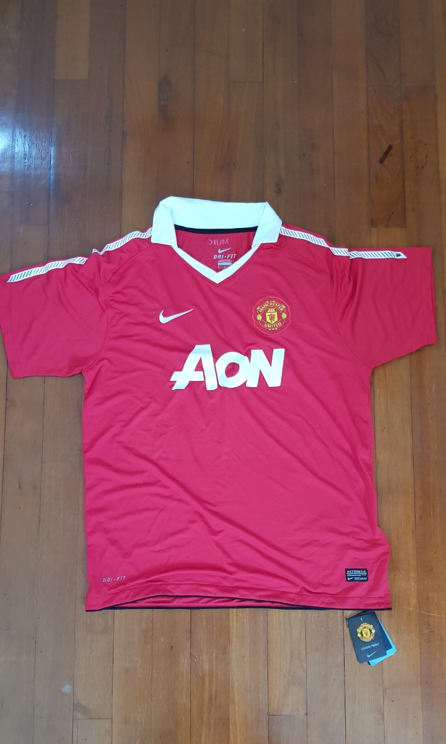 new style 633d4 91b68 Authentic Manchester United Home Kit 2010/2011 Size L