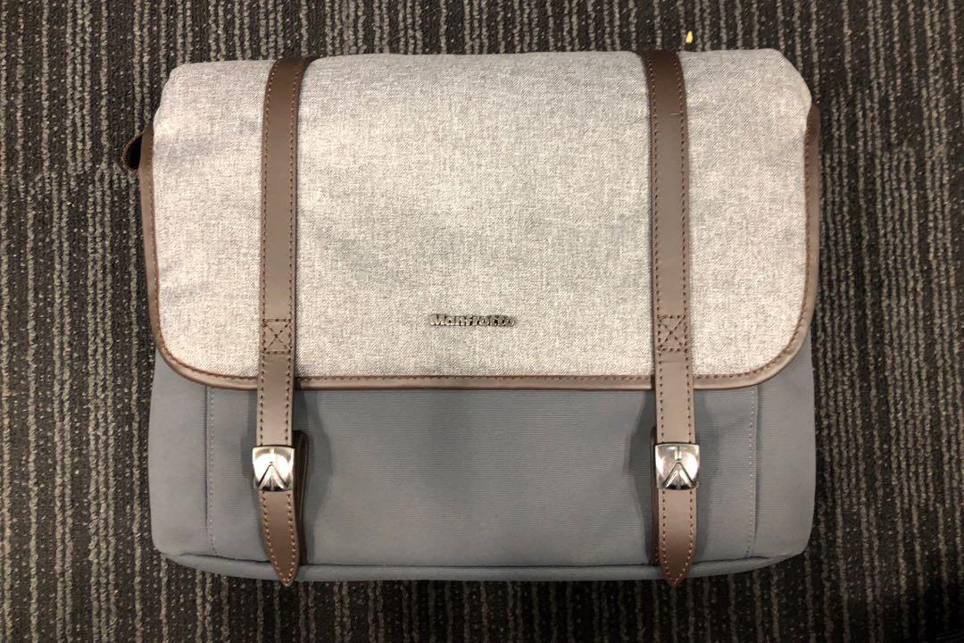 b55401314bfc Manfrotto Windsor Camera Messenger Bag (Medium)