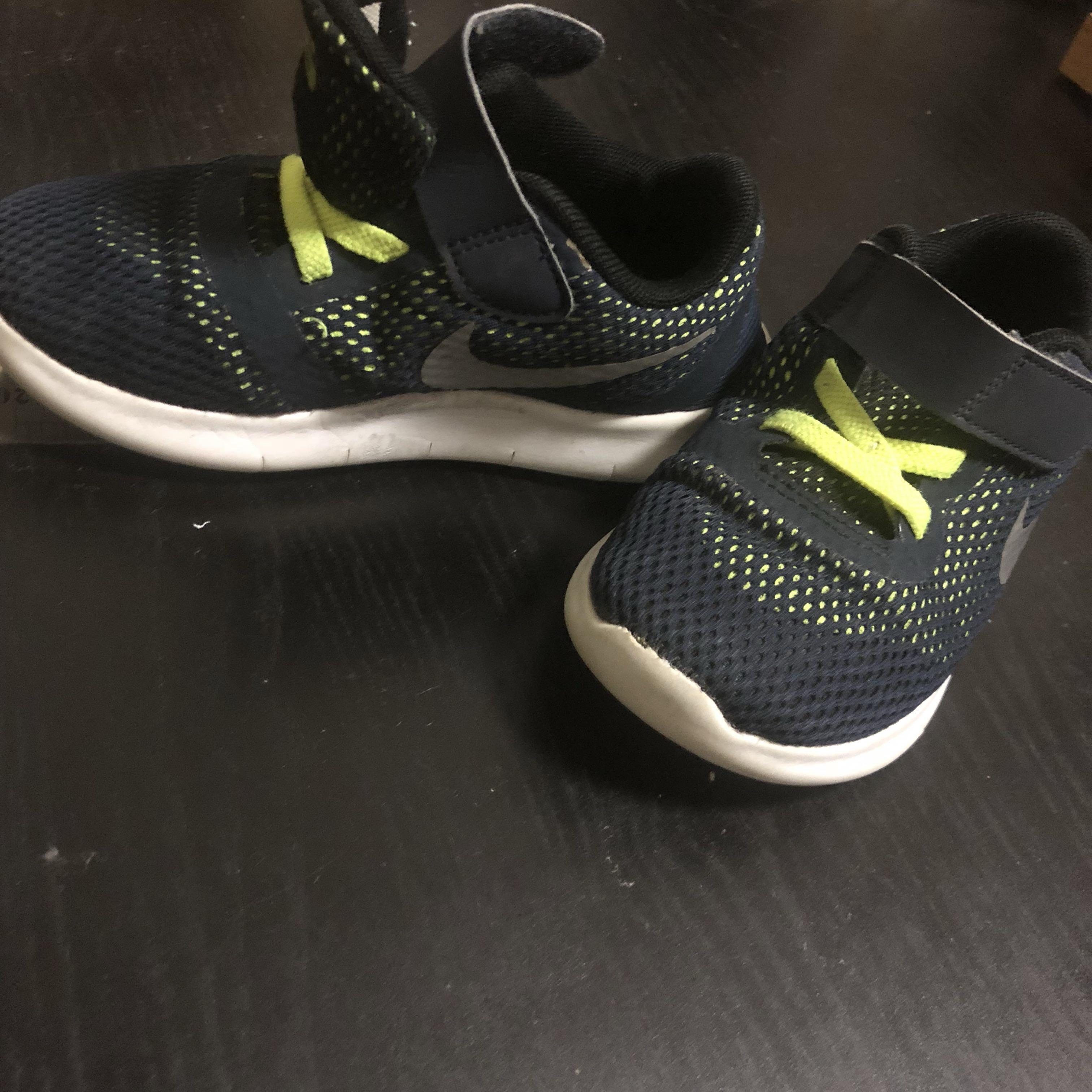 5c0f27e4dea Nike Boys Toddler Infant Runners 16cm