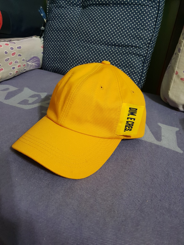 Yellow Cap ddb243e2225