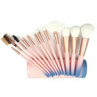 12pcs Women Beauty Brushes Set Eyeshadow Eyeliner Lip Brush Tools