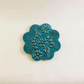 藍綠色突面花紋杯墊