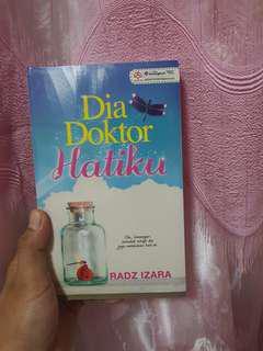 Malay Novel - Dia doktor hatiku