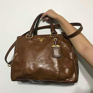 🚚 Wts Used Prada Vitello Shine Bauletto Brown in Pristine condition!