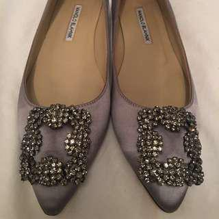 Authentic light grey Manolo Blahnik flats Size 39