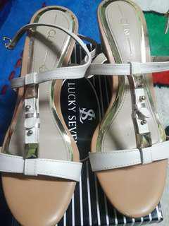 sandal for.women