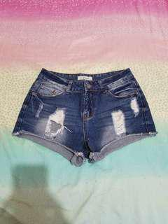 Denim ripped shorts 28