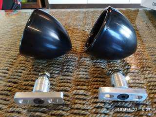 Midrange speaker pods